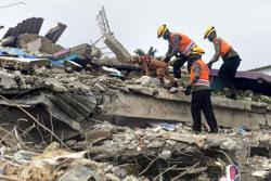 Death toll from Indonesia's Sulawesi deadly quake rises to 62 (update)