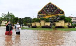 Solve Sabah's flood problems, govt urged