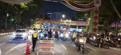 JPJ helping out cops at MCO roadblocks in KL