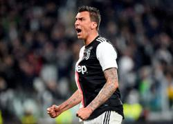 Veteran Mandzukic signs for Milan on free transfer