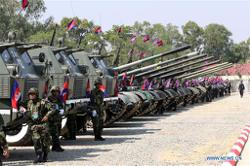 China provides mine-clearance equipment, vehicles for Cambodia