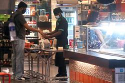 Govt urged to extend eatery hours