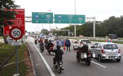 'Be patient at roadblocks'