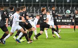 Elvedi header gives Gladbach 1-0 win against Bremen