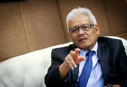 Covid-19: Home Minister Hamzah in stable condition, being treated at UMMC, says his office