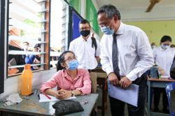 Johor MB visits school on first day back, advises students to follow Covid-19 SOPs