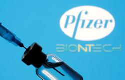 South African virus variant may resist antibody drugs; Pfizer/BioNTech vaccine seems to work vs UK variant