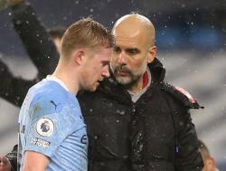 De Bruyne, Walker injuries a concern for City boss Guardiola