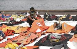 Recovery efforts at Indonesian plane crash site futile, says diver