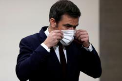 France tells its citizens: Fabric masks not enough to protect from COVID