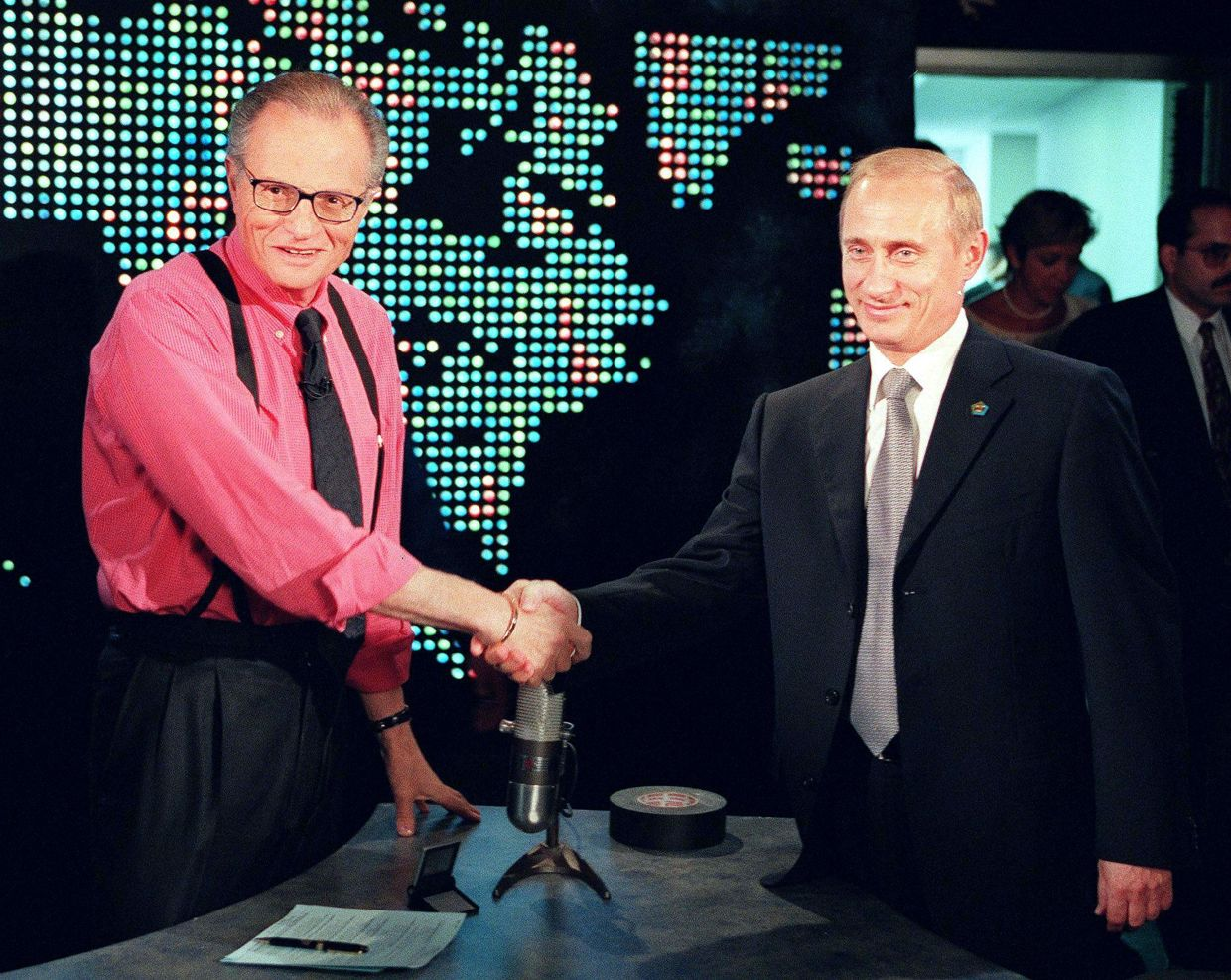 Larry King with Russian President Vladimir Putin in 2000. Photo: AFP