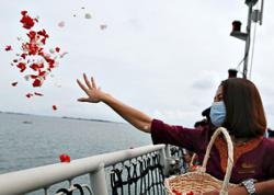 Floral tribute to plane crash victims