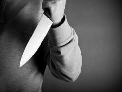 Wife stabs husband after seeing her younger self in old photos, thought he was cheating