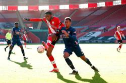 Holders Arsenal knocked out of FA Cup at Southampton