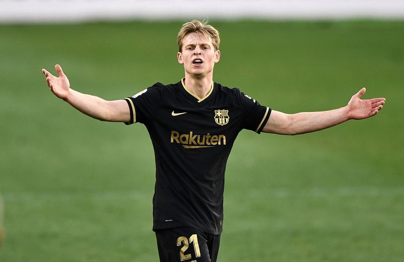 De Jong leads Barca to Elche win without Messi