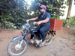 Books by bike: Sri Lankan man runs mobile library for children
