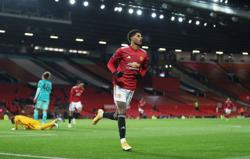 Man Utd forward Rashford to have knee scan