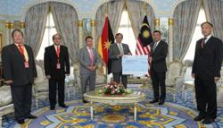 S'wak govt presents RM10mil grant to Chinese schools