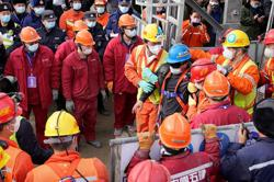 22 Trapped Chinese miners: 11 rescued, 10 dead in total, one still missing, rescue mission still on