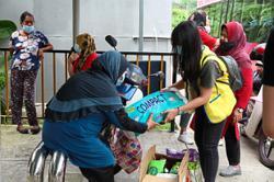 RM61,000 grant benefits PPR families under association's aid programme