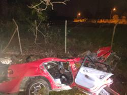 Man severely injured after car skids into tree near Kepala Batas
