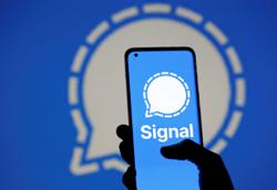 Iranian users of Signal messaging service say app blocked