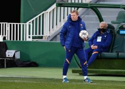 Soccer-Koeman eyes Copa del Rey as fastest route to trophy