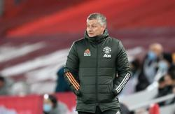 Soccer-Solskjaer grateful for backing from Manchester United board