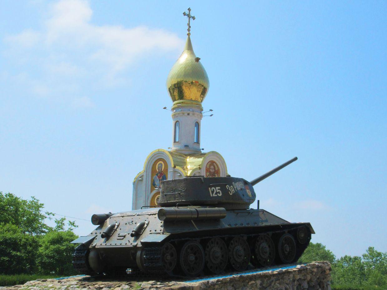 This T-34 is part of a Tiraspol memorial to the fallen soldiers of World War II.