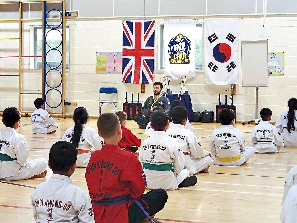 Rafferty teaching in Wembley, London in 2018 during the UK 30th Anniversary International CKD Seminar. Photo: Harrison Rafferty