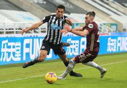 Leeds sink Newcastle to pile pressure on Bruce