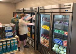 Student-run grocery store helps feed town's hungry