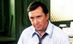Bruce Kirby, character actor in 'Columbo' and 'L.A. Law, ' dead at 95