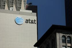 AT&T is sued for $1.35 billion over technology to synchronize smart devices