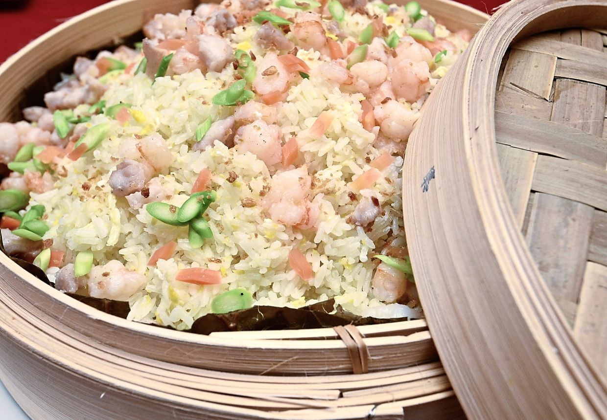 Fried rice with chicken and a generous amount of shrimp.