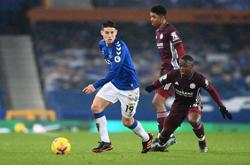 Pickford mistake earns Leicester point at Everton