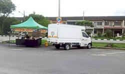 Roadside stalls inconvenience residents