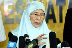 Wan Azizah was King's choice for interim PM, former AG Thomas claims in book
