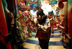 Psychedelic hues of Tokyo's 'kawaii' cafe doused by pandemic