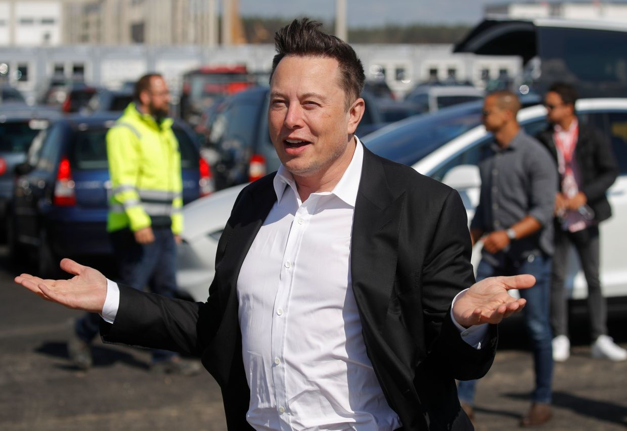 Elon Musk Makes Characteristically Wild Debut on a Buzzy Social App Clubhouse