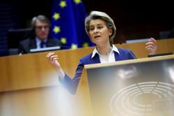 Under fire, EU's von der Leyen defends vaccine strategy