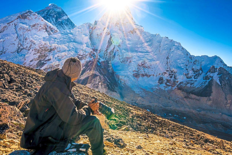 Sunrise at Mount Everest caught on camera by award-winning director Zahariz.