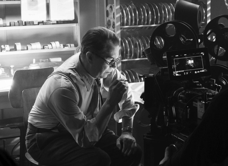 Gary Oldman as Herman Mankiewicz in a scene from 'Mank'. Photo: Netflix