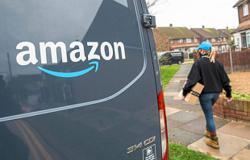 Insight - Jeff Bezos' successor points Amazon toward the cloud