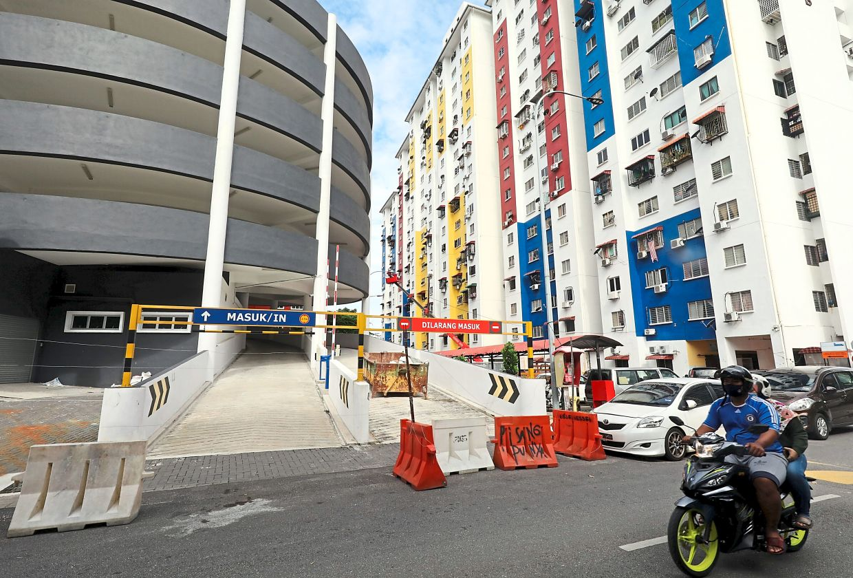 Residents of PPR Hiliran Ampang in Jalan Ampang Putra are eagerly waiting for their multi-storey carpark to be opened.