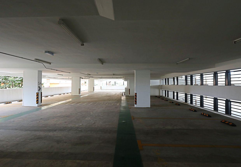 This multi-storey carpark at PPR Taman Mulia in Bandar Tun Razak appears to have no takers.