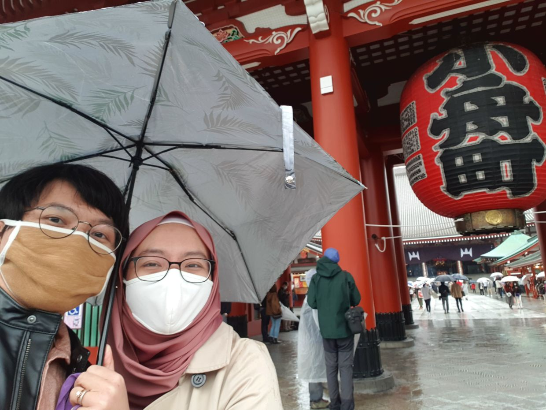 Ooi and Azalia visiting Asakusa, Tokyo, for ramen. Photo: Azalia Zaharuddin