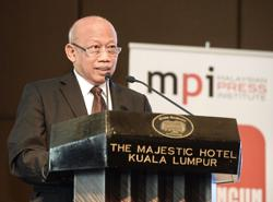 'Categorise reporters as frontliners'