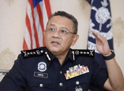 KL cops to help police retirees update their information to receive RM500 cash aid