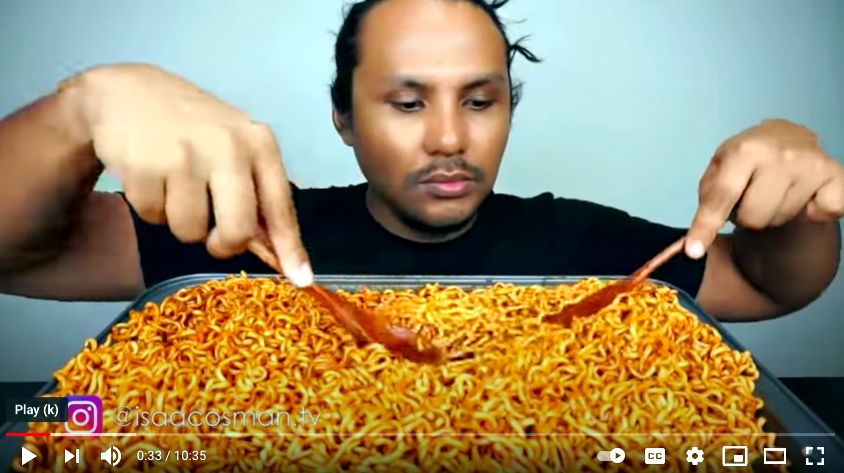 Izzat usually prepares or buys his own food for his YouTube videos. Photo: YouTube/Isaac Osman